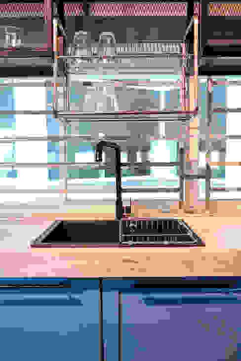 V-House Kerinthing Design Unit Kitchen