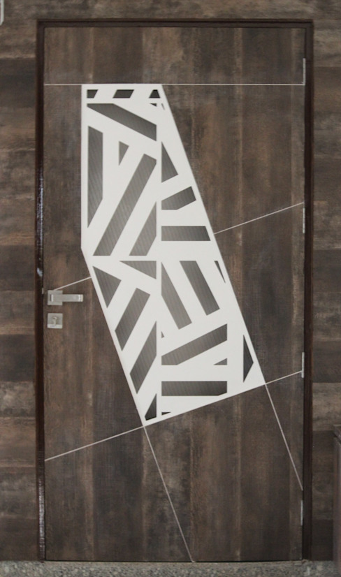 Main door with artistic pattern : minimalist  by Monoceros Interarch Solutions,Minimalist Engineered Wood Transparent