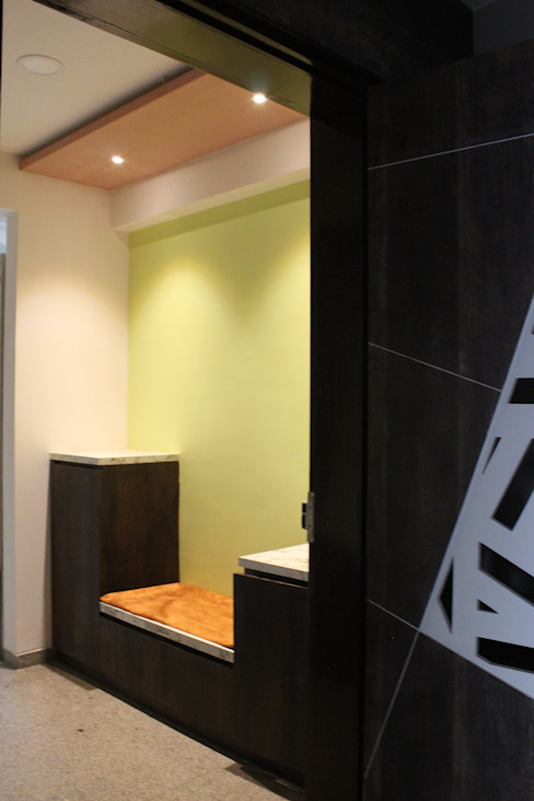 Vestibule / Foyer : minimalist  by Monoceros Interarch Solutions,Minimalist