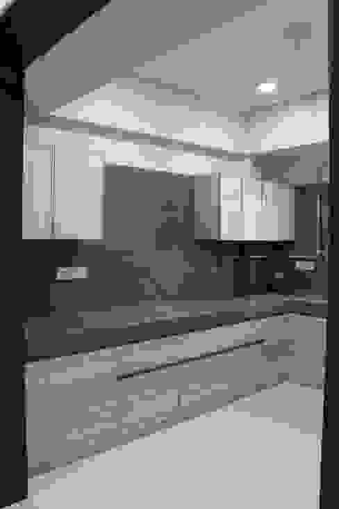Modular Kitchen : minimalist  by Monoceros Interarch Solutions,Minimalist