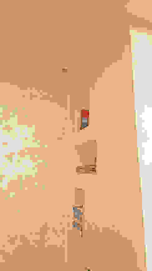 Dettaglio Nicchie Soggiorno moderno di antonio felicetti architettura & interior design Moderno Cemento