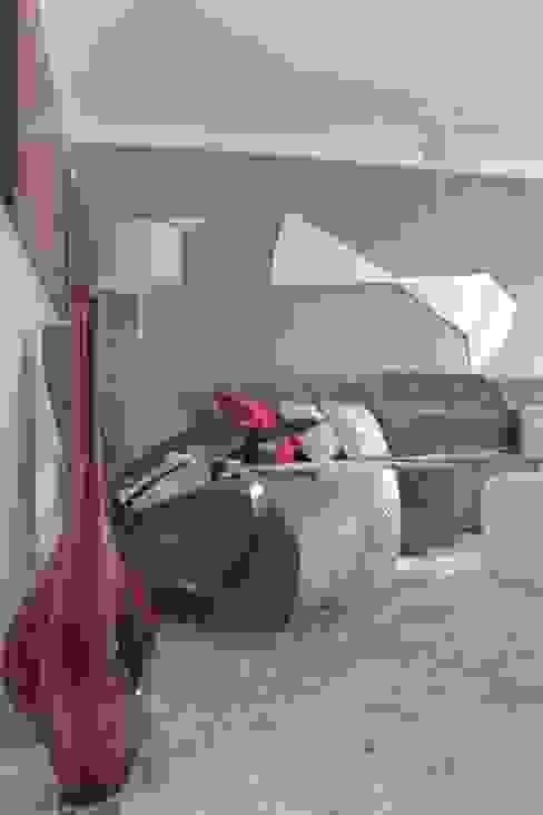 Detalhes da sala de tv Salas de estar modernas por Aadna.Design Moderno