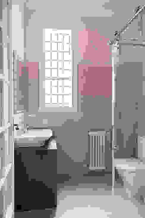 Segundo baño para invitados Arquigestiona Reformas S.L. Baños de estilo clásico Cerámico Beige