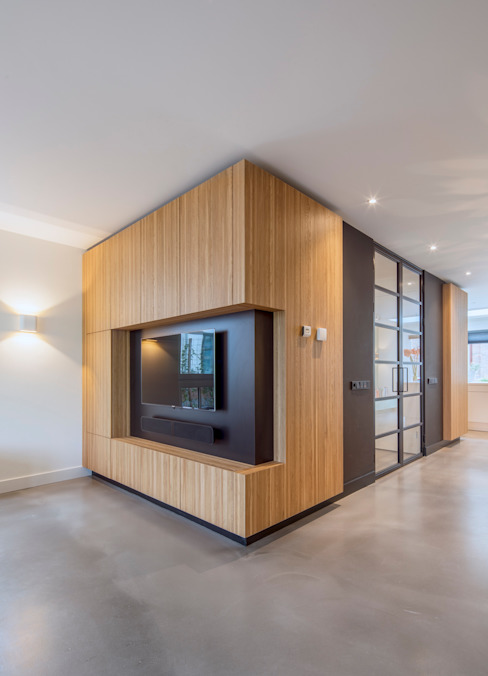 AV wand Moderne woonkamers van ÈMCÉ interior architecture Modern