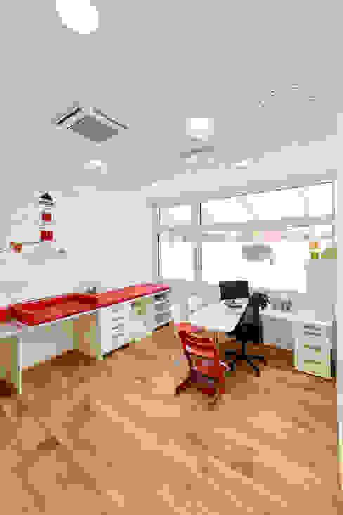 Praxis für Kinder- und Jugendmedizin Akustikbau-Niederrhein GmbH & Co. KG Moderne Praxen