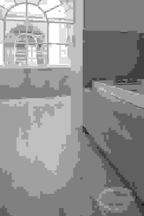 360° Design Modern bathroom by Cadorin Group Srl - Italian craftsmanship Wood flooring and Coverings Modern