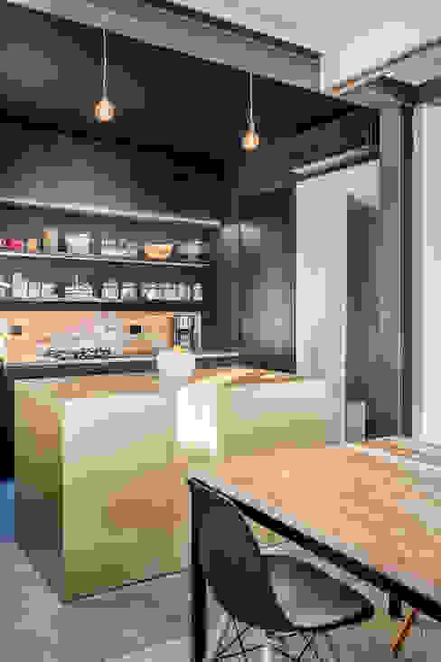 Isola di DOOT studio Moderno Legno Effetto legno