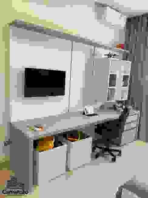 Painel da Tv e Mesa de Estudos Camaleão Arquitetura e Engenharia Quartos dos meninos