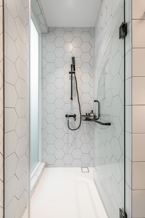 Mr Shopper Studio Pte Ltd Modern bathroom