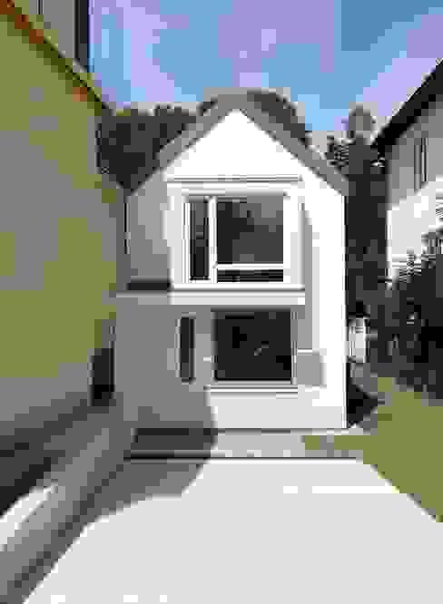 Fassade Ost von archipur Architekten aus Wien Modern Ziegel