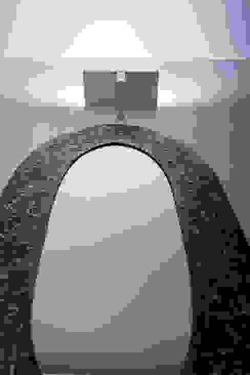 Ti Ingresso, Corridoio & Scale in stile minimalista di Icone s.r.l Minimalista