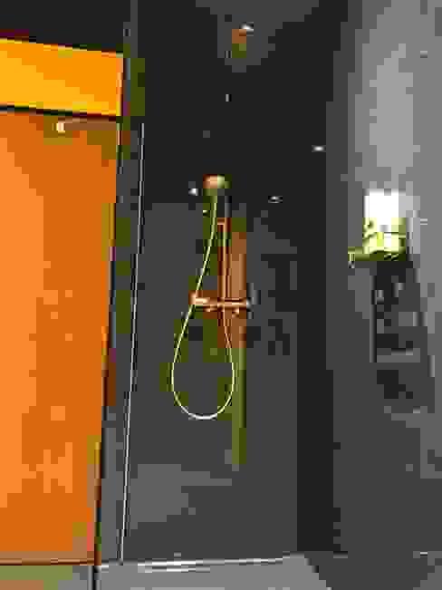 Dusche Moderne Badezimmer von LifeStyle Bäderstudio Modern