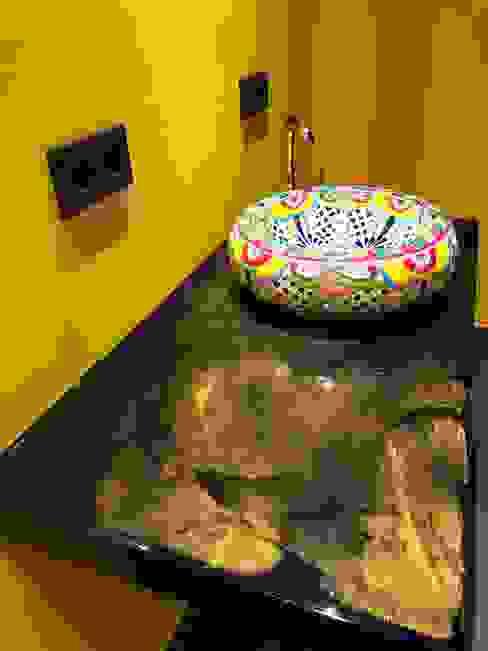 Waschbeckentisch Moderne Badezimmer von LifeStyle Bäderstudio Modern