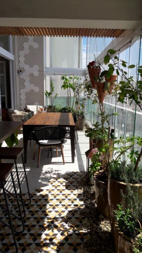 paula galbi paisagismo Balcones y terrazas de estilo moderno Madera Beige