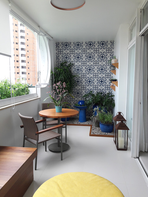 paula galbi paisagismo Balcones y terrazas de estilo moderno Azulejos Azul