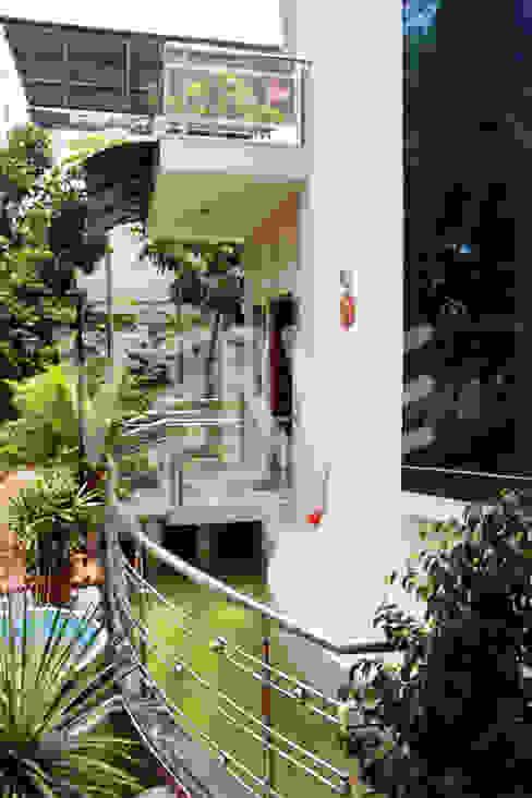 A Villa in Bangalore VERVE GROUP Garden Pond
