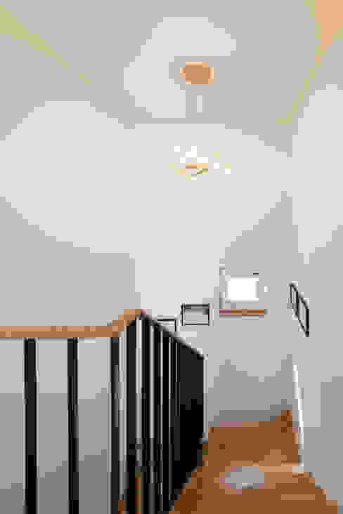 은퇴 후 취미를 즐길 수 있는 양평목조주택 COFFEE HOUSE by 위드하임 모던