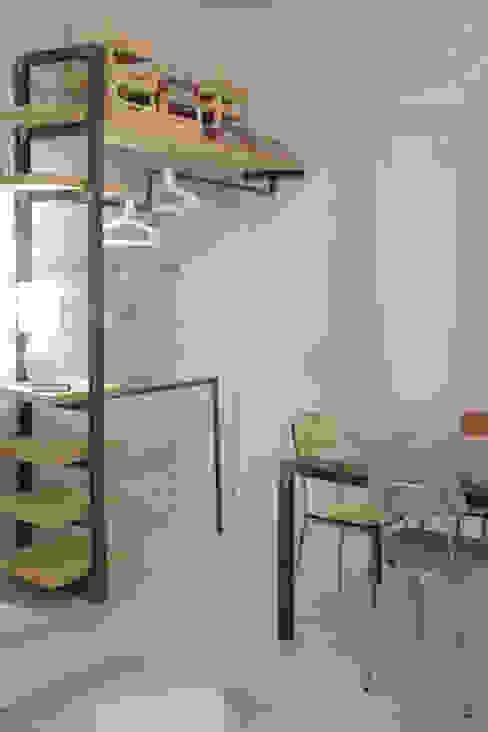 Architetto Alessandro spano Industriale Schlafzimmer