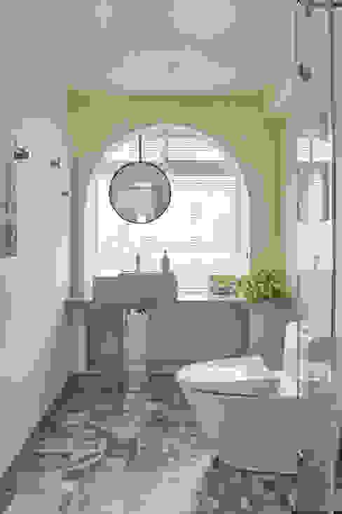 日光小屋諧奏曲|防水百葉簾.遮光蜂巢簾 空間構成:HAO Design 好室設計 現代浴室設計點子、靈感&圖片 根據 MSBT 幔室布緹 現代風 水泥