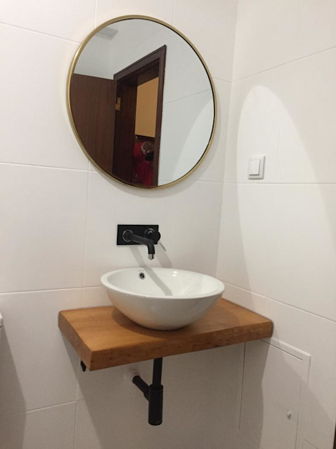Remodelação total da Casa de Banho Casas de banho clássicas por Buildemant - Construção e Manutenção, Lda Clássico