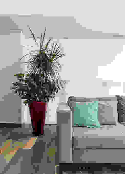 Detalle de sala Salones modernos de Soma & Croma Moderno Derivados de madera Transparente