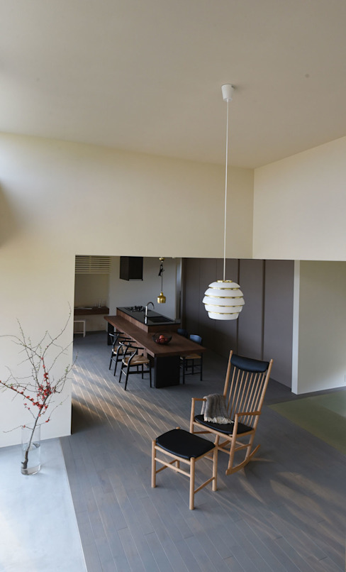 Case Study House #64 K House NASU CLUB モダンデザインの リビング 木 白色