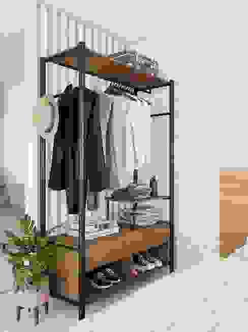 Armario minimalista moderno en herreria y madera maciza Muebles de Herrería y Madera RecámarasArmarios y cómodas Hierro/Acero Negro