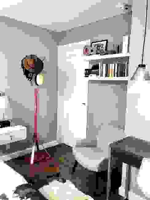 Alejandra Zavala P. Small bedroom Wood White