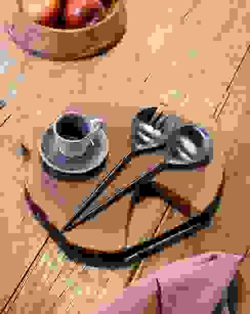 Cocinas con color de Kave Home Clásico Madera Acabado en madera