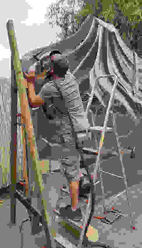 Edelstahlschweißen Edelstahl Atelier Crouse: Moderner Garten Metall Metallic/Silber