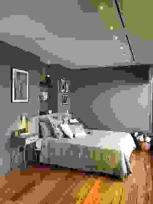 Dormitorio principal en una sola planta A interiorismo by Maria Andes Dormitorios de estilo moderno