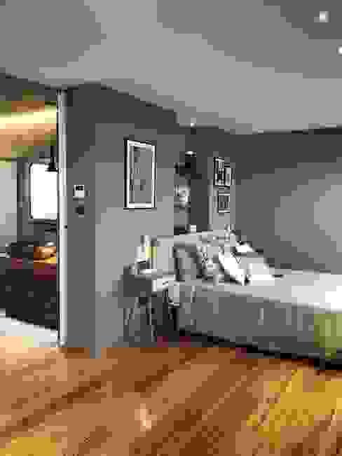 Textiles naturales Dormitorios de estilo moderno de A interiorismo by Maria Andes Moderno