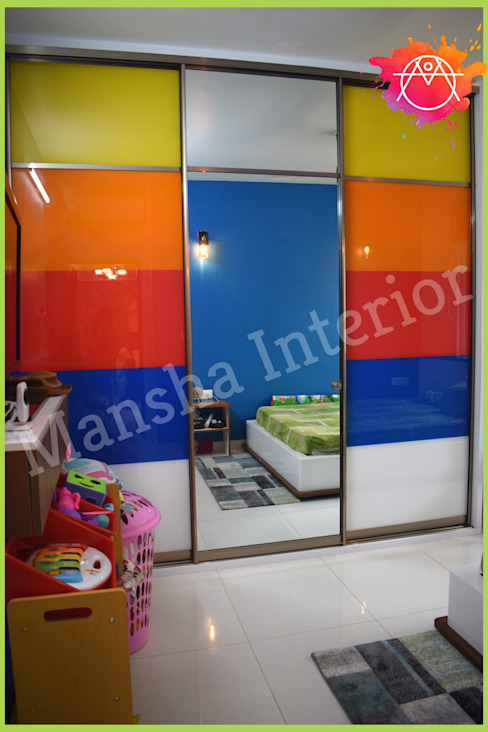 Multicolored Wardrobe! Modern style bedroom by Mansha Interior Modern