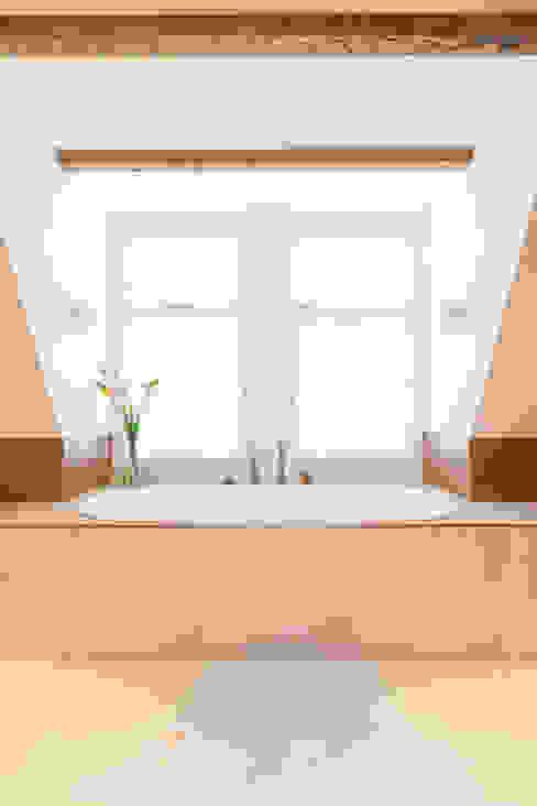 bad Moderne badkamers van ÈMCÉ interior architecture Modern