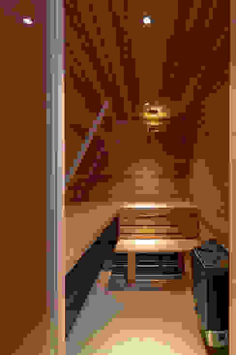 sauna Moderne badkamers van ÈMCÉ interior architecture Modern