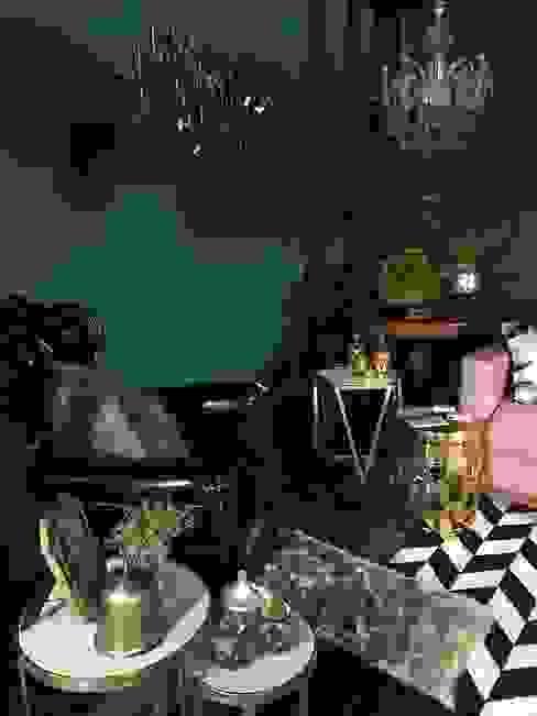 CARLA BONFIM Classic style dining room Green