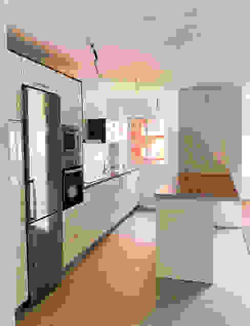 Cocina Cocinas de estilo moderno de Rediarq Interiorismo Moderno