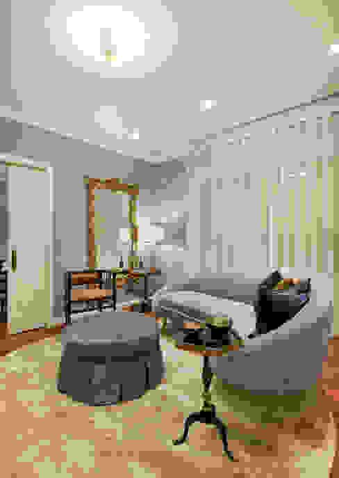 Sala de estar _ Zona da lareira Salas de estar clássicas por OMNU_Creative Houses Clássico