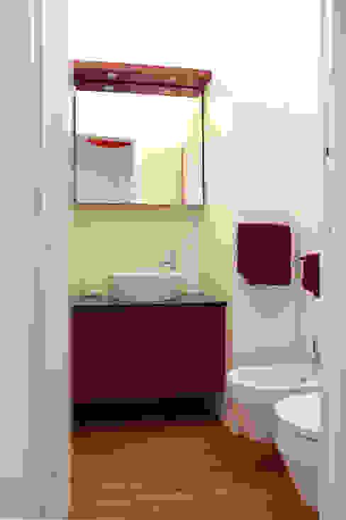 A Studio | Armando Tomasi + Alessandro Fasanella 現代浴室設計點子、靈感&圖片