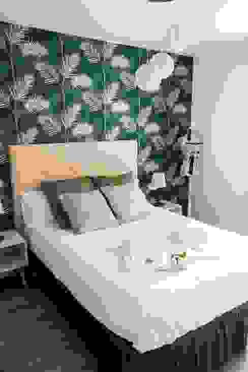 Dormitorio colonial. Estudio RYD, S.L. DormitoriosCamas y cabeceros Madera Verde