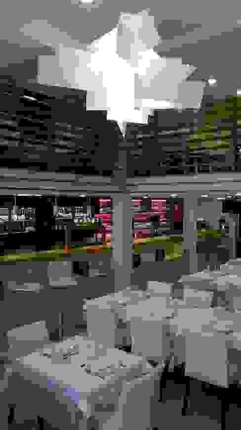 Sala de jantar Espaços de restauração modernos por AlexandraMadeira.Ac - Arquitectura e Interiores Moderno