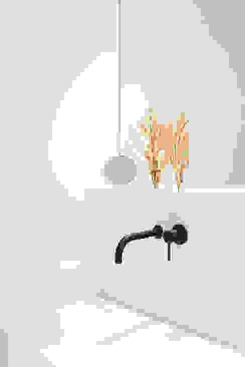 LAVABO/ dettaglio Cerra+Corbani Bagno minimalista