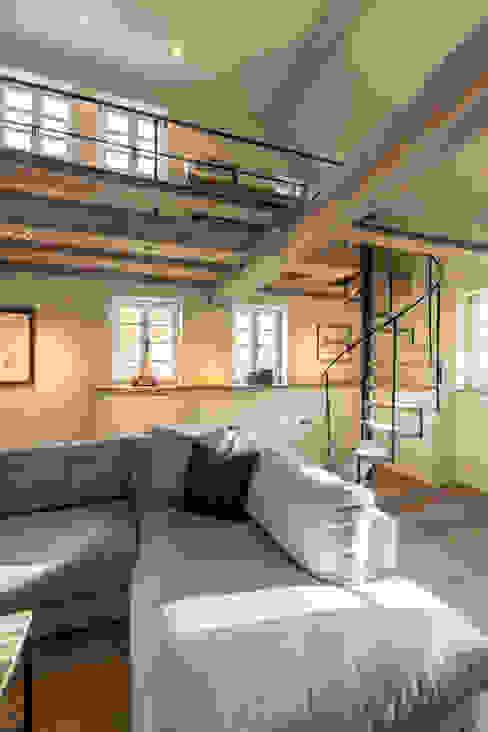 Fachwerkhaus 1831 - Komplette Sanierung Helma Interior Innenarchitektur Ausgefallene Wohnzimmer