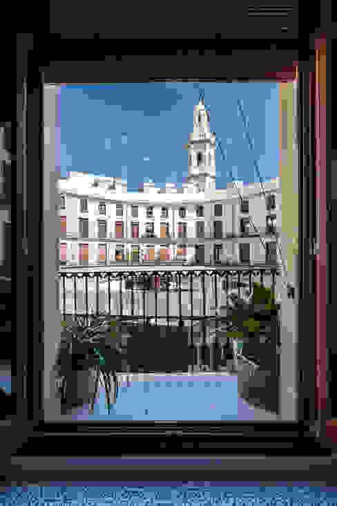Vivienda en Plaza Redonda tambori arquitectes Balcón