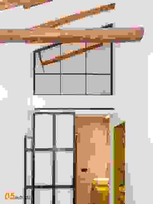 Vista del dormitorio con baño integrado. 05 Estudio Dormitorios de estilo escandinavo