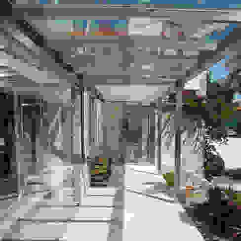 Vivienda Cangas Rodrigo Portanet Arquitecto Balcones y terrazas de estilo rural