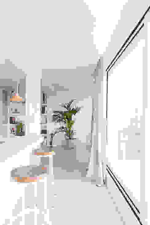 Cocina Casa CB Plantea Estudio Cocinas de estilo escandinavo