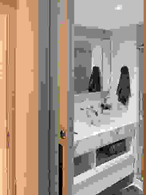 Door & Space Portas de Correr Розсувні двері Залізо / сталь