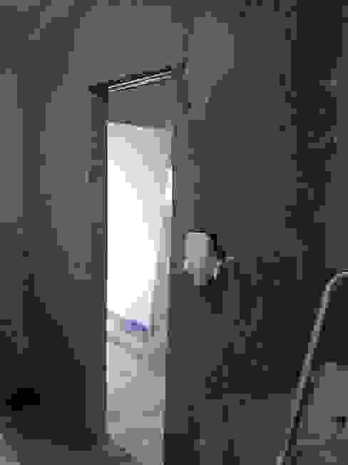 CAIXILHO INSTALADO E PAREDE EMBOÇADA Door & Space Portas de Correr Portas de correr Ferro/Aço