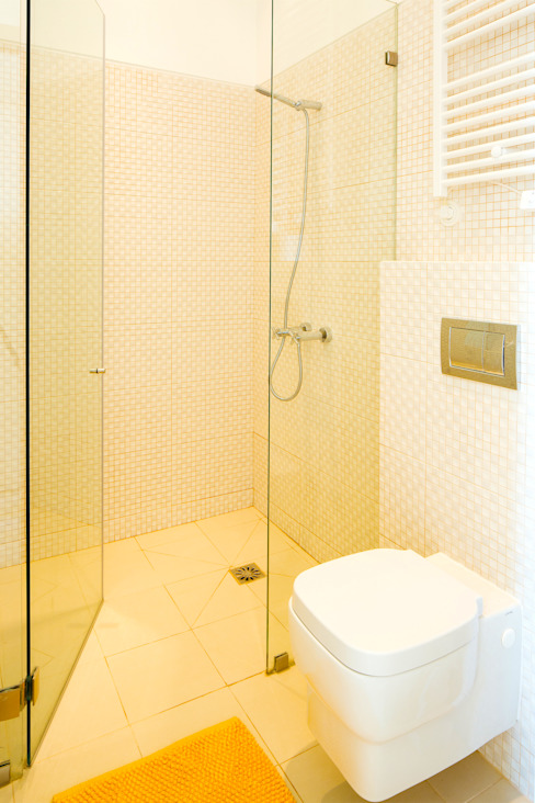 INSTALAÇÃO SANITÁRIA. SALLE DE BAIN. BATHROOM MA.TERIA. ARCHITECTURE SOLUTIONS Casas de banho ecléticas Branco